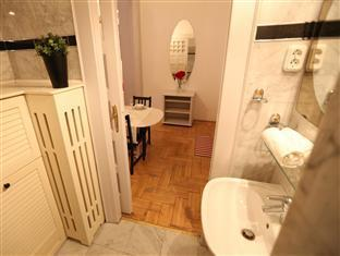 Classic Luxury Apartment Budapest - Baño