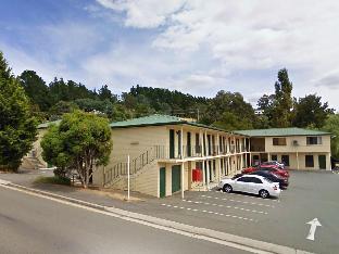 Riverside Hotel Motel3