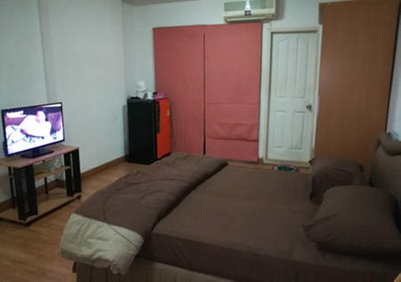 อพาร์ตเมนต์ 1 ห้องนอน 1 ห้องน้ำส่วนตัว ขนาด 32 ตร.ม. – รัชดาภิเษก