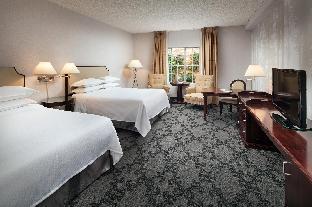 Front view of Anaheim Majestic Garden Hotel