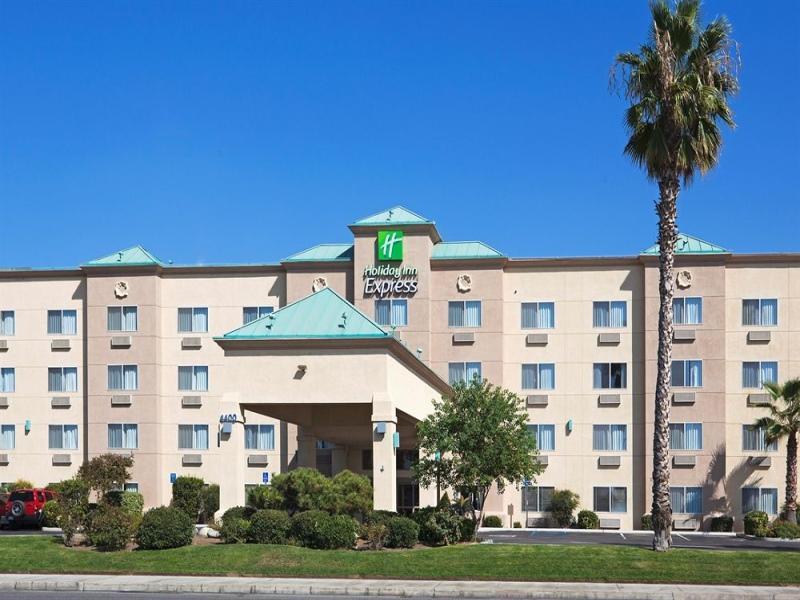 Holiday Inn Express Bakersfield image