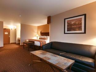 room of Best Western Desert Inn