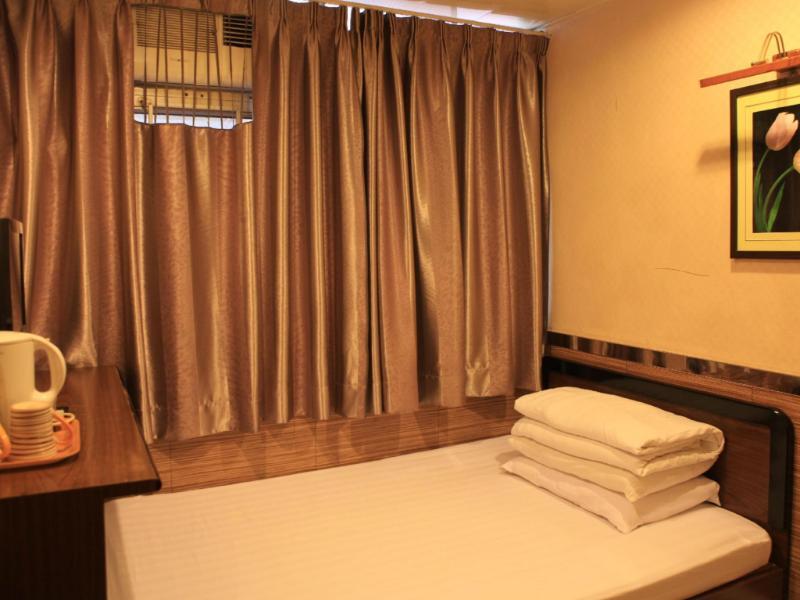 ニュー モン コク ホテル(New Mong Kok Hotel)