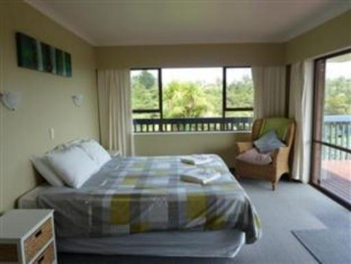 Beach House, 16 Upper Wainui Road hotel accepts paypal in Raglan