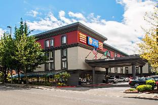 Comfort Inn and Suites Sea-Tac Airport