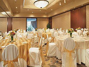 Coast Plaza Hotel and Suites Vancouver (BC) - Ballroom