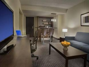 Days And Conference Centre Toronto Don Valley Hotel Toronto (ON) - Suite Room