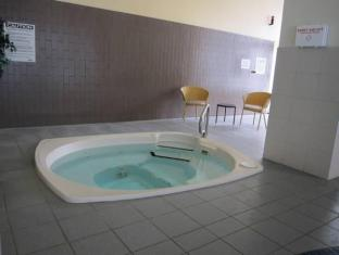 Days And Conference Centre Toronto Don Valley Hotel Toronto (ON) - Hot Tub