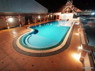 Dhevaraj Hotel Nan - Swimming Pool