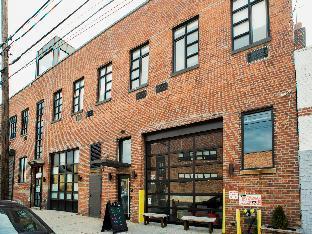The Local Hostel NYC PayPal Hotel New York (NY)