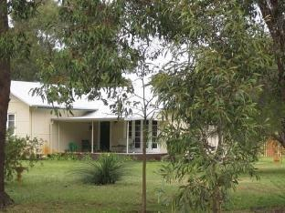 Review Sandy Lake Farm Abbeys Cottage Gingin AU