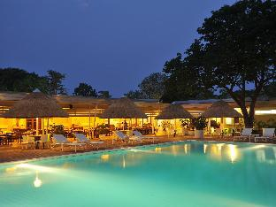 Cresta Sprayview Hotel Hotel in ➦ Victoria Falls ➦ accepts PayPal.