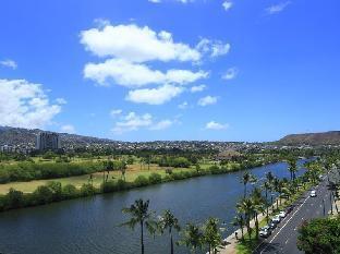 Waikiki Sand Villa