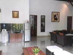 [チャングー](300m²)| 3ベッドルーム/1バスルーム 3BR Perwita Villa D - ホテル情報/マップ/コメント/空室検索