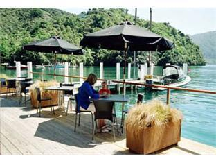 Best guest rating in Marlborough Sounds ➦ Raetihi Lodge takes PayPal