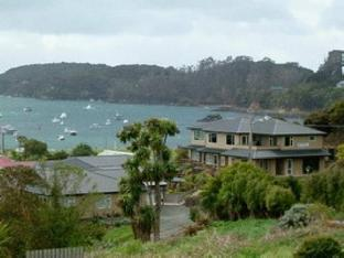 Best guest rating in Stewart Island ➦ Kowhai Lane Lodge takes PayPal