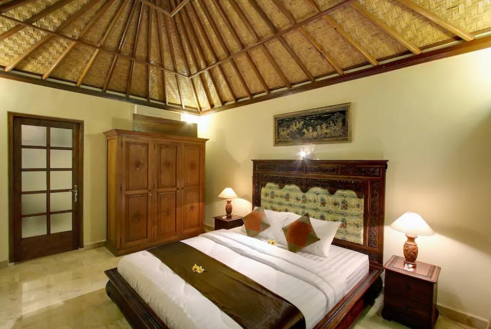 Senyum-Traditional 4 Bedroom Villa