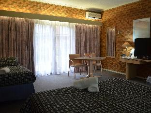Quality Hotel Melbourne Airport3