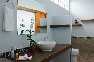 %name Marigold Resort 7BR w/ Large Pool & Garden พัทยา