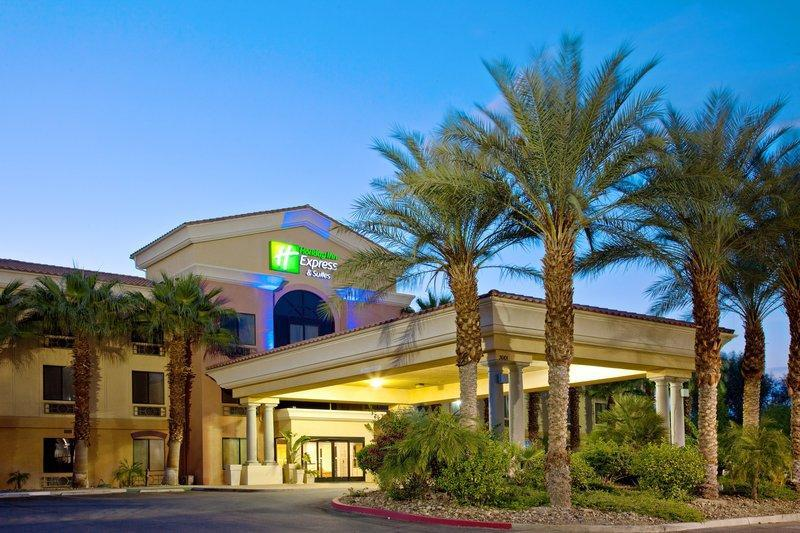 Holiday Inn Express Hotel & Suites Cathedral City - Palm Springs image