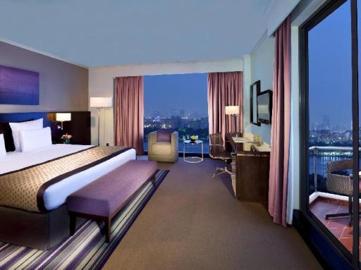 Pullman Dubai Creek City Centre hotel accepts paypal in Dubai