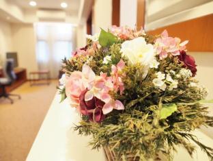 Caritas Bianchi Lodge Hotel Hong Kong - Phòng khách