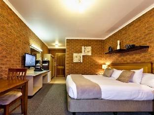 Best PayPal Hotel in ➦ Yarrawonga: Ashleigh Court Motor Inn and Cabins