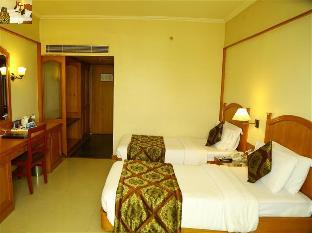 Fortune Kences Hotel