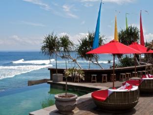 The Palms Ceningan Hotel Bali - The Palms Pool Lounge