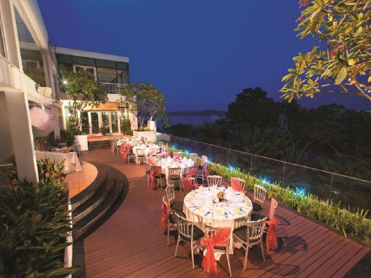 Village Hotel Changi by Far East Hospitality photo 3