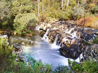 Review Falls River Luxury Accommodation Deloraine AU