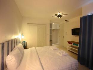 Hub Hua Hin 57 Hotel guestroom junior suite