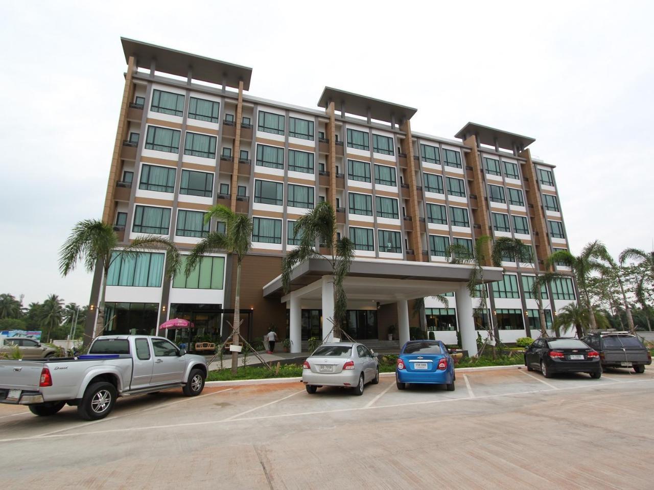 เอส ทารา แกรนด์ โฮเต็ล (S Tara Grand Hotel)