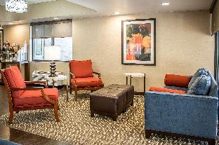 Holiday Inn Express Hotel Pittston - Scranton Airport