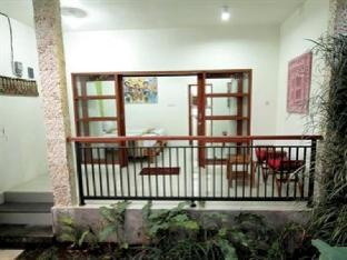 Maha Residence Guest House