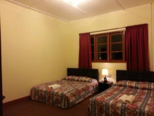 Dew Drop Inn Cameron Highlands - Family Room