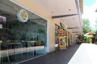 Golden Sam Resort and Restaurant