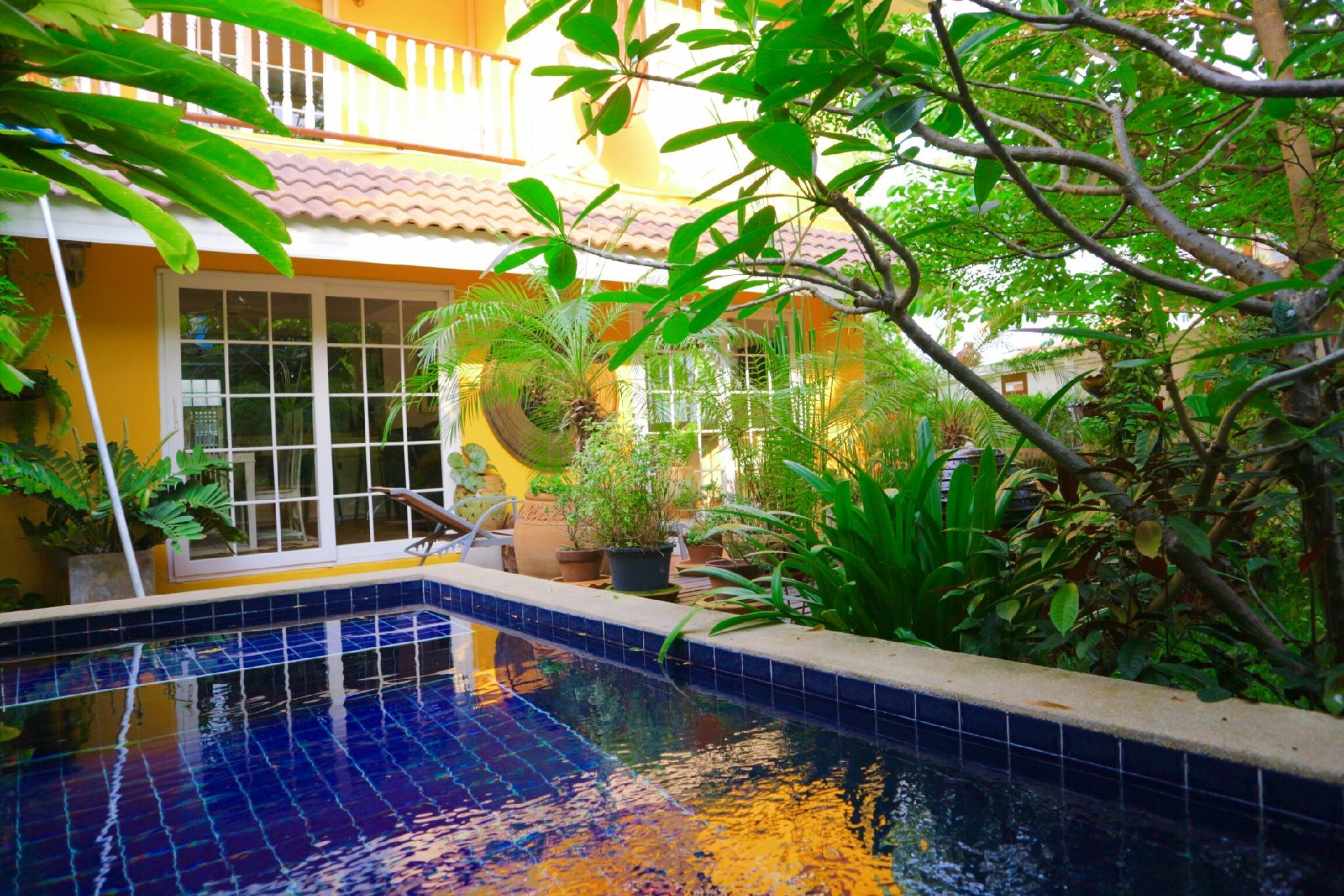 Pool garden villa walk to old town+night market,Pool garden villa walk to old town+night market