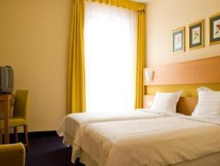 Domina Ilmarine Hotel Tallinn - Külalistetuba