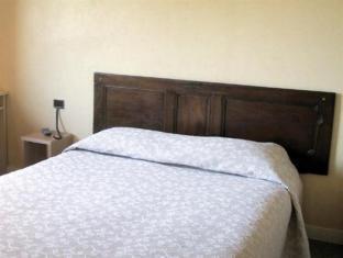 Hotel Restaurant De L'Abbaye Plancoet - Guest Room