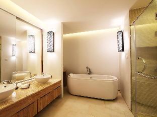 Akira Lipe Resort guestroom junior suite