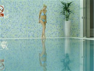 Green Isle Conference & Leisure Hotel Dublin - 15 Meter Swimming Pool