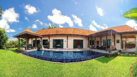 3 Bedrooms + 3 Bathrooms Villa in Nai Harn - 91356839