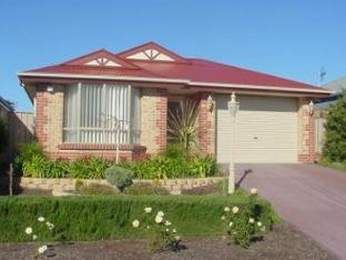 Lakeside Getaway Holiday Home PayPal Hotel Victor Harbor