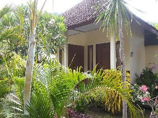Star East Bungalows
