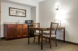 room of Suites South Burlington