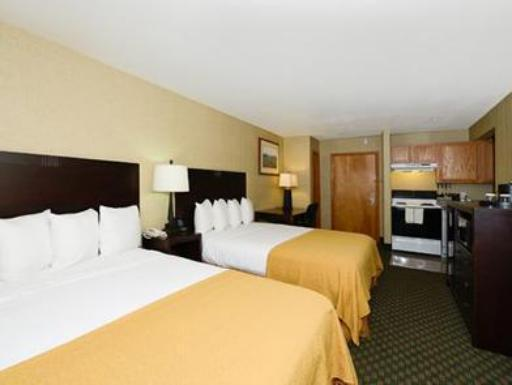 Quality Inn and Suites Seattle Center hotel accepts paypal in Seattle (WA)