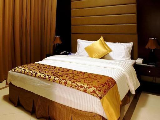 ➦  expo    (Abu Dhabi) customer rating