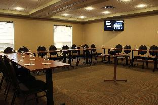 Best Western Plus Service Inn & Suites - Lethbridge, AB T1J 1Z3