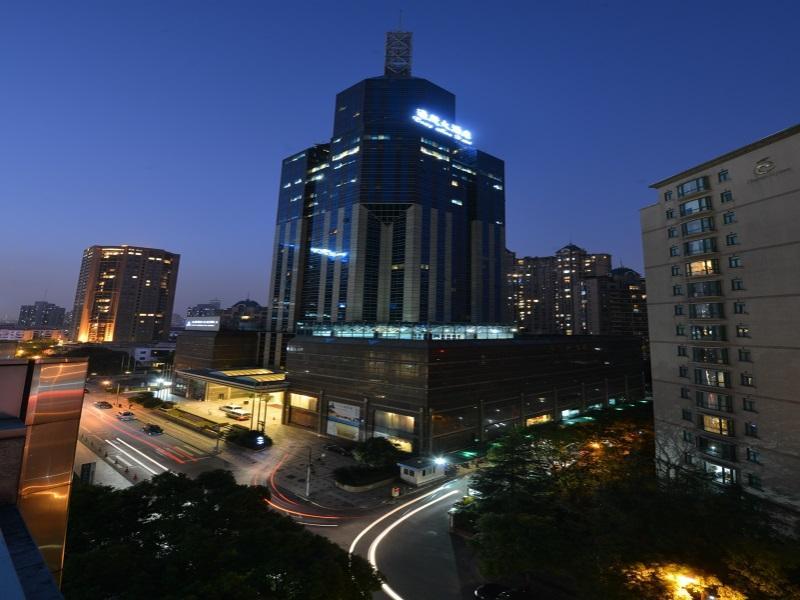 Tong Mao Hotel  Lujiazui And Expo Pudong, Shanghai, China. Pousada Rainha Santa Isabel Hotel. Balcon De Europa Hotel. Luoyang Yijun Hotel. Hotel Klarov. Eric Vokel Madrid Suites. The Queens Hotel. Princess Old City Hotel. Hotel Lord Pierre